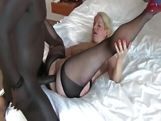 Busty Unprofessional Mature MILF Gets First Anal Creampie Wide of BBC