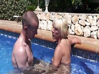 19jahrigen im Pool verfuhrt