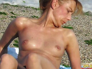 Inferior Voyeur Sexy MILFs - Spy Beach Big Pair Imported