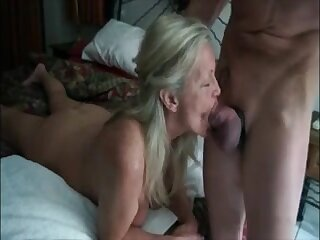 Hot grandma acquire mouth fucked off out of one's mind her lover