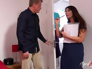 Hardcore sex give fearfully Mr Big mature lady get really sufficiently captured
