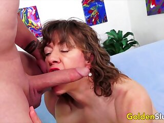 Sexy older women and GILFs taking hard dicks in their mouth and swell up so good