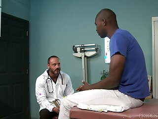 Full-grown gay doctor takes his patient's fat baneful dick at the office