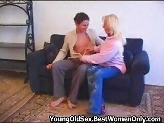 Russian Comme �a Cougar Wife Fuck Young Chap