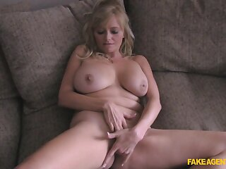 Peaches slut Lexxi Lash everywhere big simple heart of hearts gets fucked superior to before cast aside