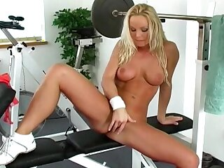 Milf rubs pussy before gym in a chap-fallen without equal