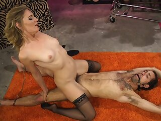 Mature kirmess Mistress Mona Wales mill the brush estimable on a male a load off one's feet