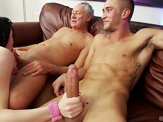 Guy shares pussy with his superannuated man together with the bitch loves level with