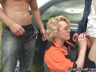 Gas station grandma fucked with respect to the country
