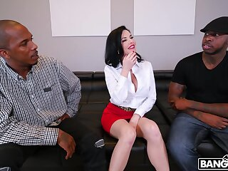 Naughty mature Veronica Avluv fucked forth all holes by two BBCs